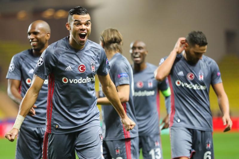Beşiktaş'ta Şok Sakatlık! 2 Yıldız Futbolcu Antalya Maçı Kadrosundan Çıkartıldı