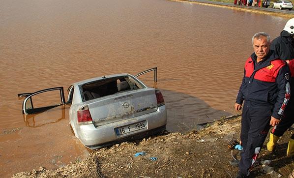 Şanlıurfa'da Feci Kaza! Otomobil Göle Uçtu, Ölüler ve Kayıplar Var
