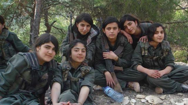 YPG'nin Kirli Yüzü! Yaşları Daha 12-13 Olan Çocuk Teröristler Görüntülendi
