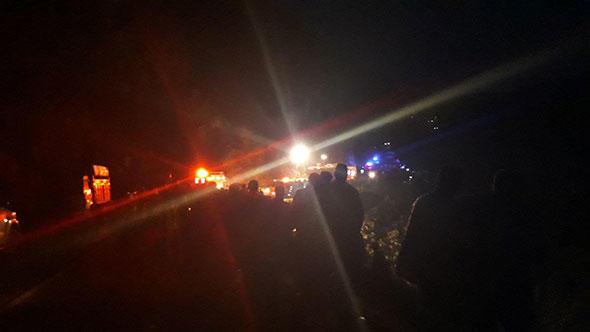 Son Dakika! İzmir Ödemiş'te Minibüs Uçuruma Yuvarlandı, Ölü ve Yaralılar Var