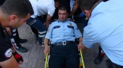Adana'da Kavgayı Ayırmaya Giden Polis Memuru Kendisini Vurdu