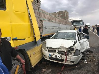 Aksaray'da Kum Fırtınası Dehşeti! Zincirleme Kazada 2 Kişi Öldü, Çok Sayıda Kişi Yaralandı