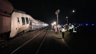 Almanya'da Yolcu Treniyle Yük Treni Çarpıştı! 41 Yaralı