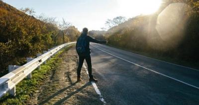Bu Da Oldu! İki Kadın, Araçlarına Aldıkları Otostopçu Gence İlaç İçirip Tecavüz Etti