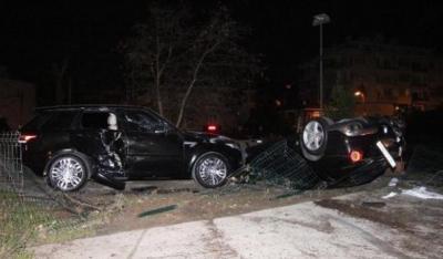 Burak Yılmaz Ölümden Döndü! Taklalar Atan Otomobili Park Halindeki Araca Çarparak Durabildi