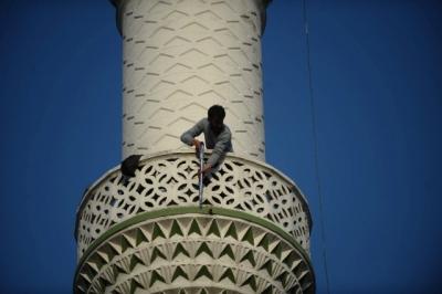 """Bursa'da Hareketli Dakikalar! Pompalı Tüfekle Minareye Çıkıp Etrafa Ateş Açtı! """"Gerekirse Çatışırım"""""""