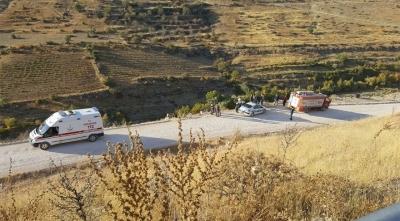 Diyarbakır'da Otomobil Çaya Uçtu: 1 Polis Şehit Oldu, 1 Polis Yaralı