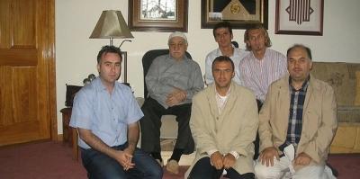 Galatasaraylı Futbolcular Terörist Başı Fethullah Gülen'le Aynı Karede