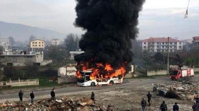 Halk Otobüsü Alev Aldı! Şoförün Dikkati Yolcuların Hayatını Kurtardı