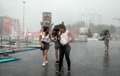 İstanbul'da Fırtına Kopacak! Meteorolojiden Korkutan Uyarılar