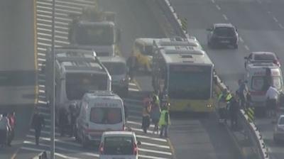 İstanbul'da İki Metrobüs Feci Şekilde Çarpıştı: 20 Yaralı