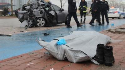 Konya 'da Feci Kaza! Otomobil Aydınlatma Direğine Çarptı! 1 Ölü, 1 Yaralı