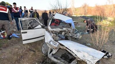 Manisa'da Korkunç Kaza! 3 Ölü, 2 Yaralı