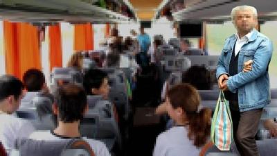 Otobüste Skandal Taciz! Teselli Etmek İçin Omzuna Yatırdığı Kadını Dudağında Öptü