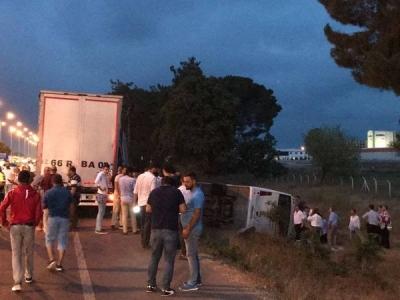 Samsun'da Faciadan Dönüldü! TIR Ve Halk Otobüsü Çarpıştı, 28 Kişi Yaralandı