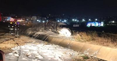 Son Dakika! Atatürk Havalimanı'na İniş Yapan Özel Jet Düştü: 4 Yaralı