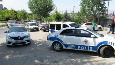 Son Dakika! Ümraniye'de Araç Muayene İstasyonuna Silahlı Saldırı, 2 Yaralı