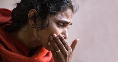 Tüyler Ürperten Olay! Parası Olmayan Kadın, Günlerce Kocası ve Kızının Cesedi ile Yaşadı