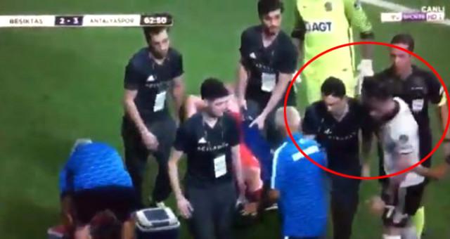Beşiktaş-Antalyaspor Maçında Skandal Hareket! Gökhan Gönül Sağlık Görevlisine Vurdu