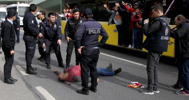 Derbi Öncesinde Büyük Şok! Galatasaraylı Taraftar Maça Giderken Otobüsten Düşerek Ağır Yaralandı