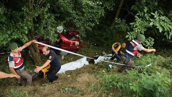 Düzce'de Feci Kaza! 2 Kişi Öldü, 2 Kişi Yaralandı