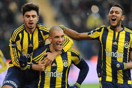 Fenerbahçe'de Büyük Şok! 2 Yıldız Futbolcu Sakatlandı