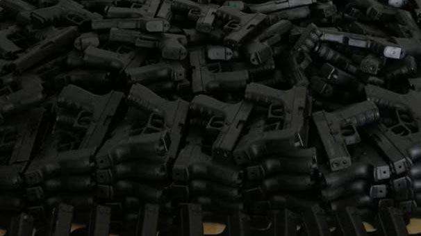 Hakkari'de Arazide 665 Kuru Sıkı Tabanca ve 12 Bin Av Tüfeği Fişeği Ele Geçirdi