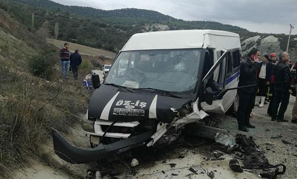 İşçi Servisi Otomobille Çarpıştı: 1 Ölü, 19 Yaralı