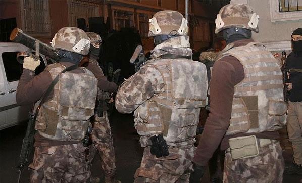 İstanbul'da Çatışma! Polisle Çatışan Terörist Öldürüldü