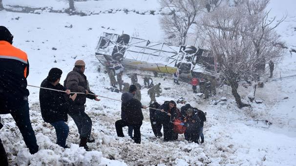 Muş'ta Katliam Gibi Kaza! 6 Ölü, 29 Yaralı