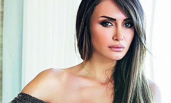 Mustafa Sandal'ın Eski Eşi Emina Jahovic Trafik Kazası Geçirdi