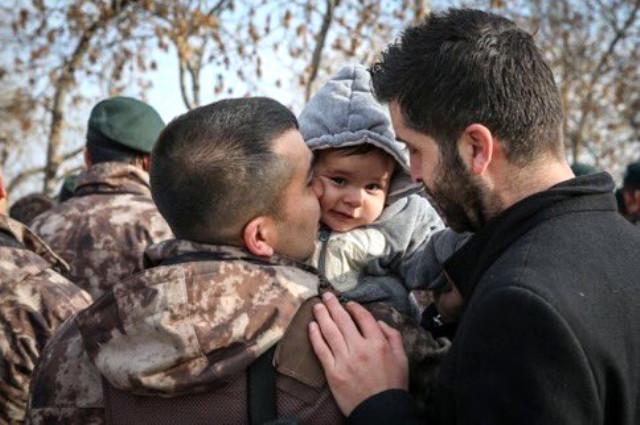 Özel Harekat Polisleri Van'dan Tekbir ve Dualarla Afrin'e Uğurlandı