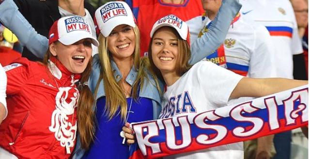 Rusya'daki Tartışmaya Son Noktayı Putin Koydu: Rus Kadınlar, Dünya Kupasına Gelen Turistlerle Beraber Olabilir