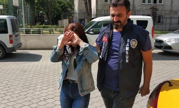 Samsun'da Genç Kız Bakışma Yüzünden Başka Bir Genç Kızı Bıçakla Ağır Yaraladı
