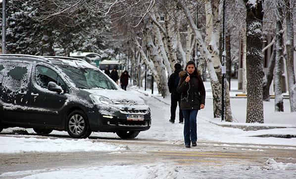 Son Dakika! İstanbul'da Kar Yağışı Başladı