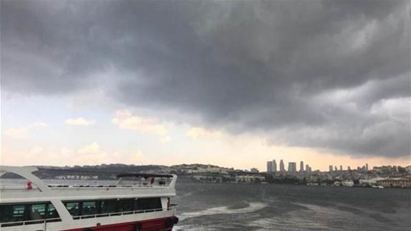 Son Dakika! İstanbul'da Şiddetli Yağış Başladı, İlk Kareler Çok Çarpıcı