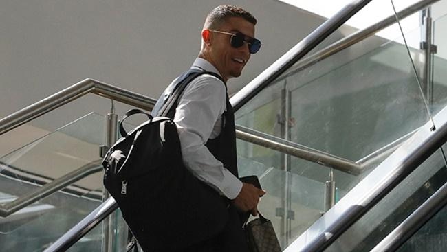 Son Dakika! Yıldız Futbolcu Ronaldo Artık Juventus'ta