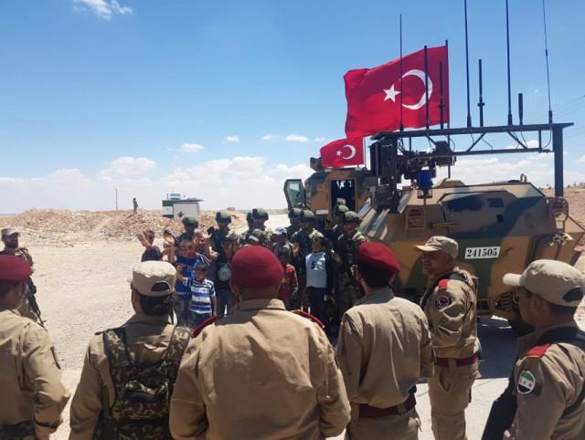 Türk Askeri Menbiç'te! İşte İlk Görüntüler…