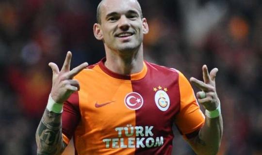 Fenerbahçe Wesley Sneijder'i Mi Alıyor? Hollandalı Futbolcunun Menajerinden Son Dakika Açıklaması Geldi