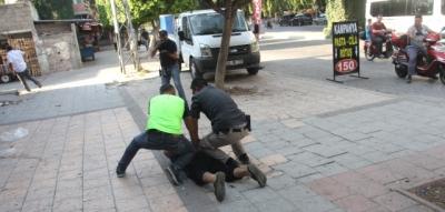 Adana Sokakları Karıştı! Suriyeliler Kaçtı Polis Kovaladı