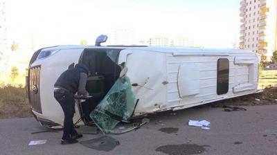 Ankara'da Feci Kaza! İki Öğrenci Servisi Çarpıştı, 4 Yaralı