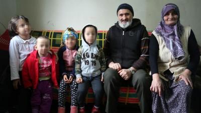 Annelerinin Terk Ettiği 4 Torunlarını Yurda Vermek İstemiyorlar