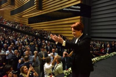 Beklenen Kurultay'da Sonuç Değişmedi, Akşener Yeniden Genel Başkan!