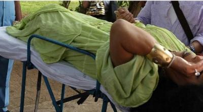 Bülent Ersoy'a Yılan Saldırdı! Diva Hastaneye Kaldırıldı