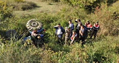 Bursa'da Traktör Şarampole Uçtu! Altında Kalan Sürücüsü Feci Şekilde Can Verdi