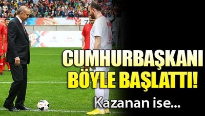 Cumhurbaşkanı Erdoğan 'Şöhretler Karması' Maçını Başlattı!