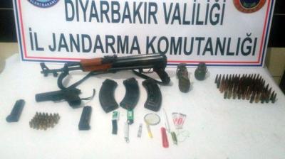 Diyarbakır'da Jandarma Operasyon Düzenledi! Kaçan Terörist Öldürüldü