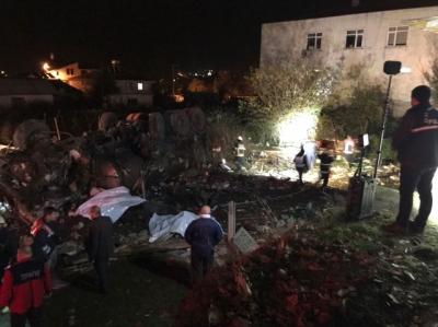 Düzce'de Kimyasal Yüklü Tanker Kahvehaneye Girdi! 2 Kişi Öldü, 5 Kişi Yaralandı