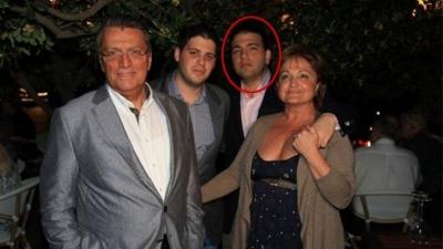 Eski Başbakan Mesut Yılmaz'ın Oğlu Evinde Silahla Vurulmuş Halde Bulundu