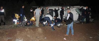Eskişehir'de Maden İşçilerini Taşıyan Midibüs Şarampole Uçtu: 15 Yaralı